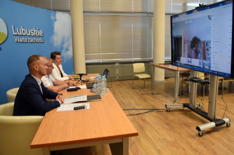 Ilustracja do informacji: Eksperci ekspertom: wirtualne spotkanie o wieloletnim budżecie UE